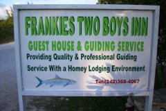 Two_Boys_Sign_fs